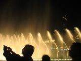 самые большие в мире танцующие фонтаны, возле самой большой башни